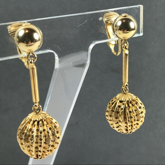 66dafa9f2 Vintage clip gold Dangle drop ball earrings. M_5a8b17f2077b97d518165ac1